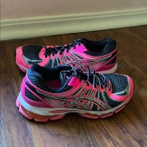 ASICS Gel Nimbus 15 Womens Pink Running Shoes Sz 9